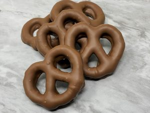 Chocolate Dipped Pretzels Milk