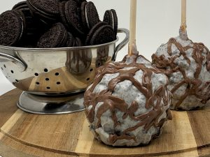 Cookies & Cream Caramel Apple